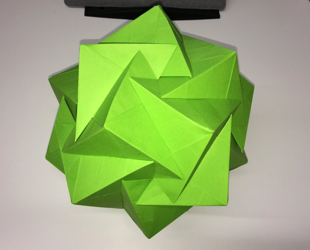 How To Fold Origami Cube 921 Leong Chen Chits 20 Intersecting Cubes Setting The Crease