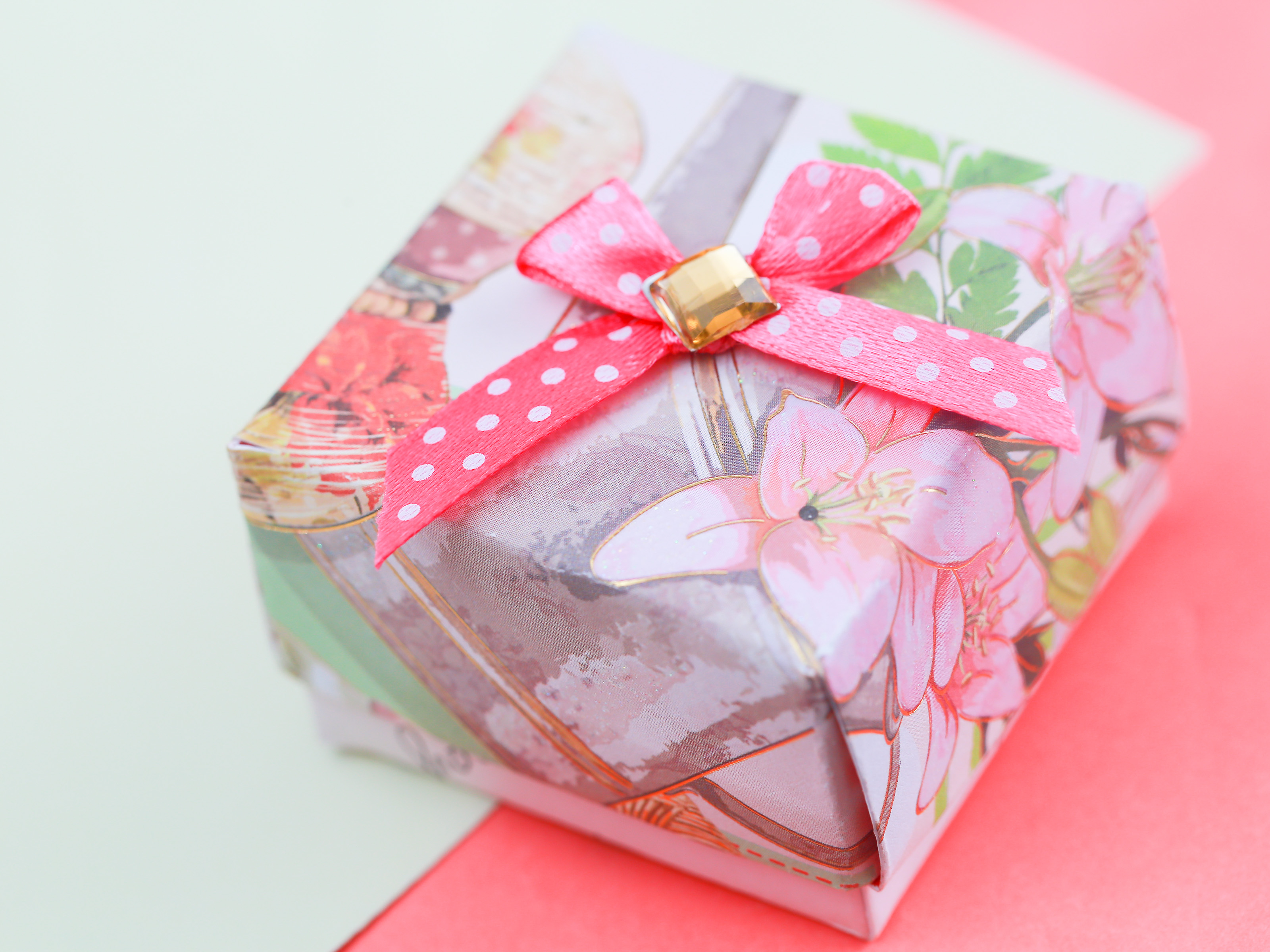 Origami Gift Boxes How To Make A Gift Box Out Of A Greeting Card With Pictures